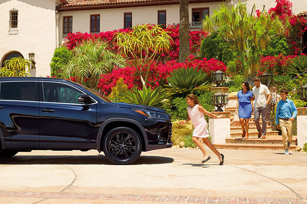 2019 Toyota Highlander Specs & Safety